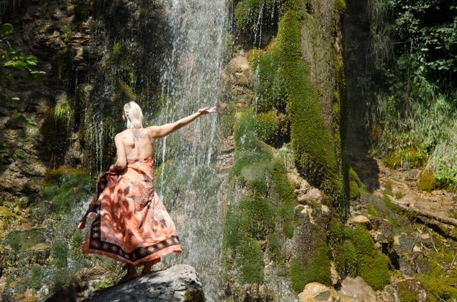 Erleben Wasserfall Frau